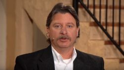 Mark Taylor on the set of The Jim Bakker Show